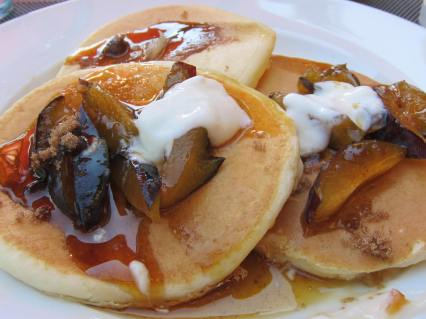 pancakes with seasonal fruits and 100% maple syrup of course!
